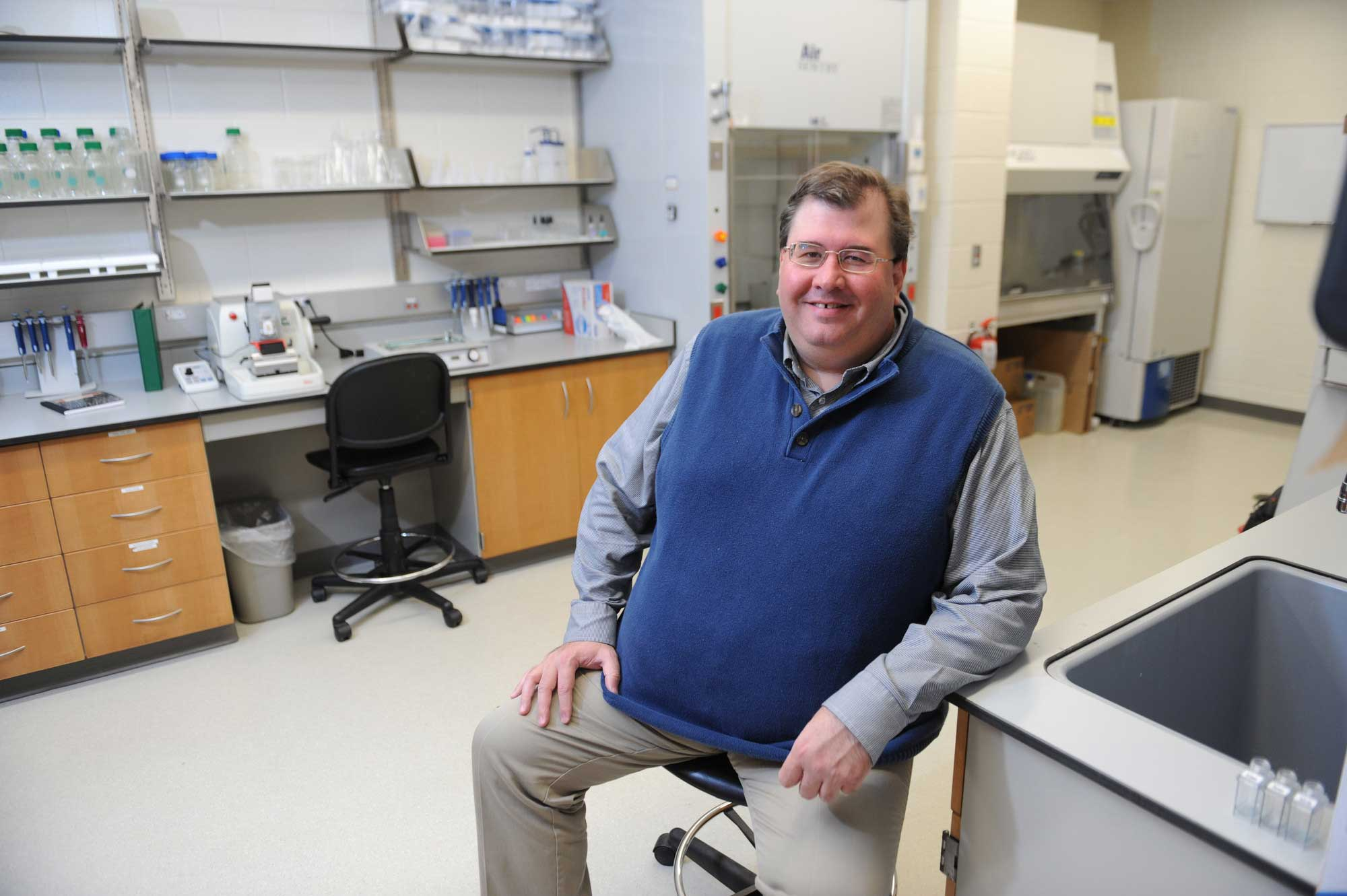 Jeffrey Smith, Malcolm & Lois Field Endowed Chair of Health Science in the Nueroscience Lab