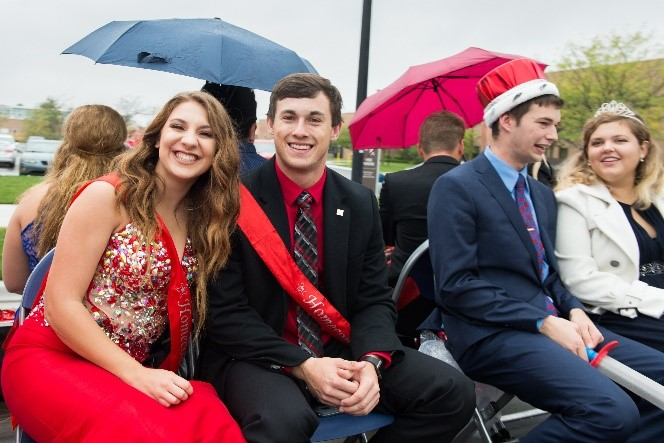 Homecoming court candidates at 2017 parade