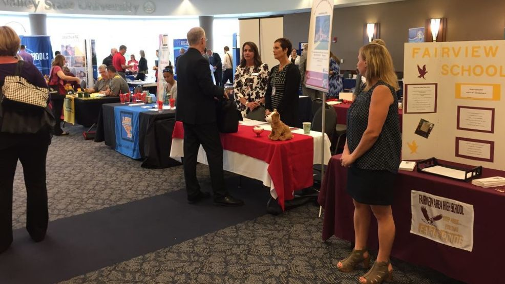 More than 30 school districts and organizatons were at SVSU's job fair. (Photo: WEYI/WSMH)