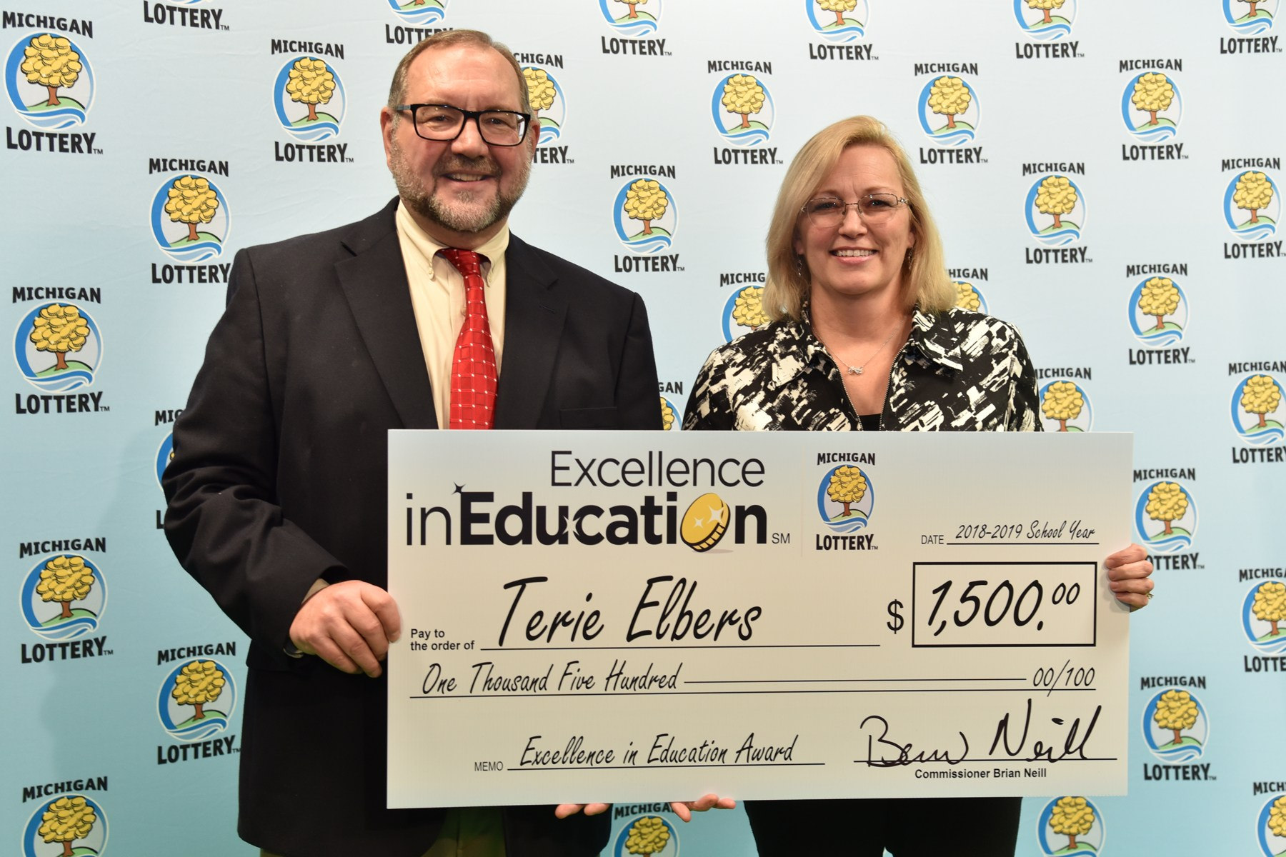 Terie Elbers Michigan Lottery award recipient